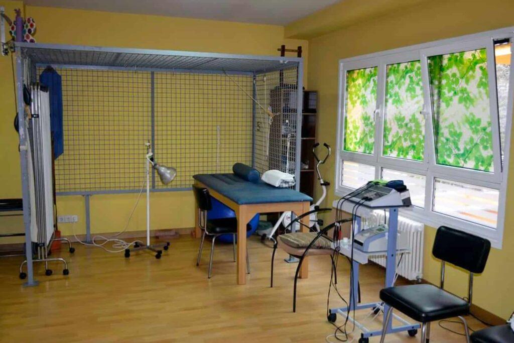 sala-fisioterapia-gerontologico-ablaña-3